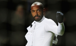 Thierry Henry gesture to crowd